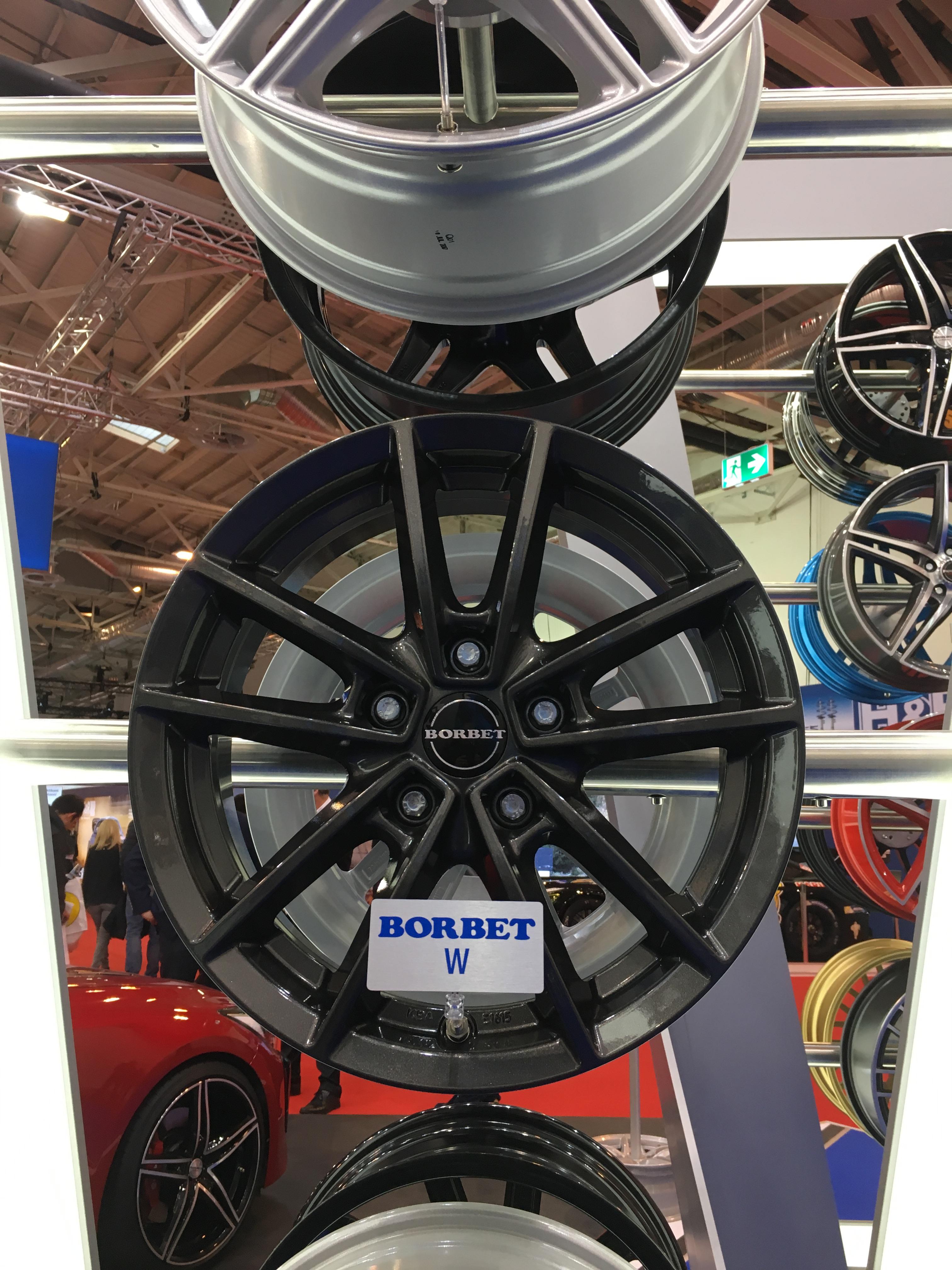 "Felge Borbet W-Rad in ""new light weight design""."