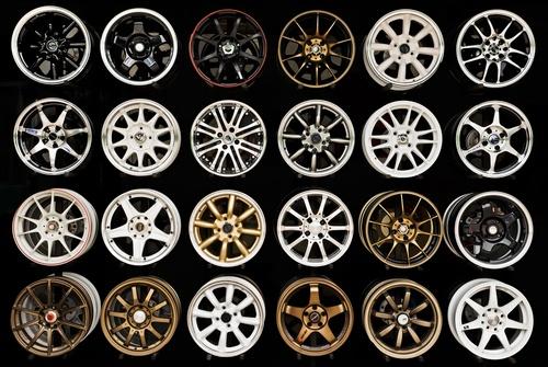 Die Auswahl an Felgen ist riesig – finden Sie die passende Felge für Ihr Auto