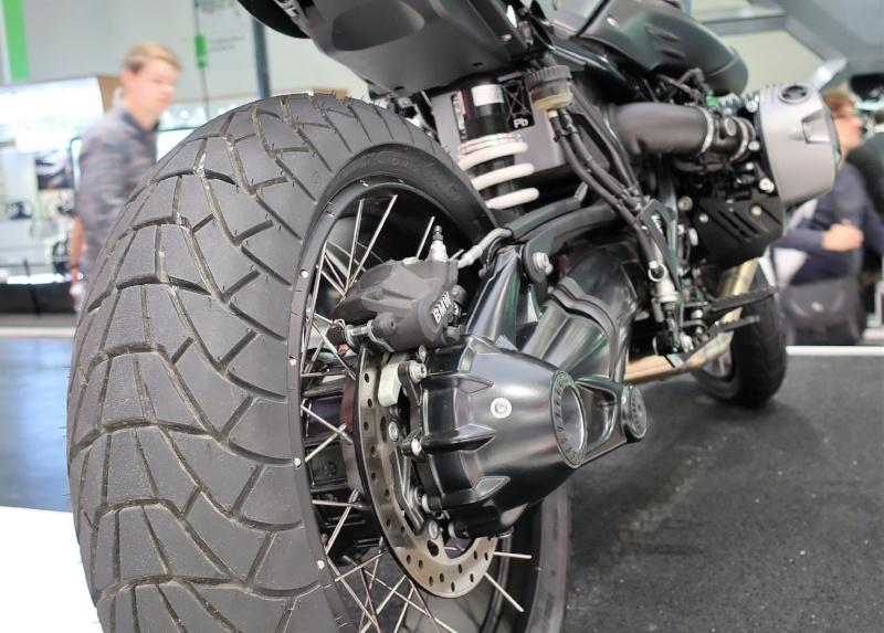 Intermot - Bridgestone AX41S
