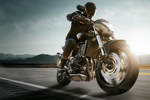 Im Motorradreifentest des PS Magazins testen die Prüfer Motorradreifen der Kategorie Hypersport