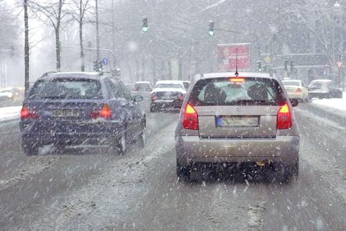 Winterreifenpflicht | Bei winterlichen Bedingungen müssen Winterreifen gefahren werden | reifen-vor-ort.de