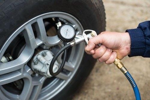 Der richtige Reifenluftdruck – der Luftdruck-Ratgeber auf Reifen-vor-Ort