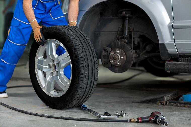 Radwechsel ist günstiger als Reifenmontage