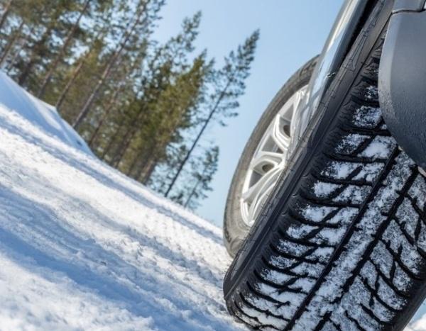 Sportauto Winterreifentest 2018 | Beste Sport und Mischbereifung für den Winter | Reifen-vor-Ort Blog