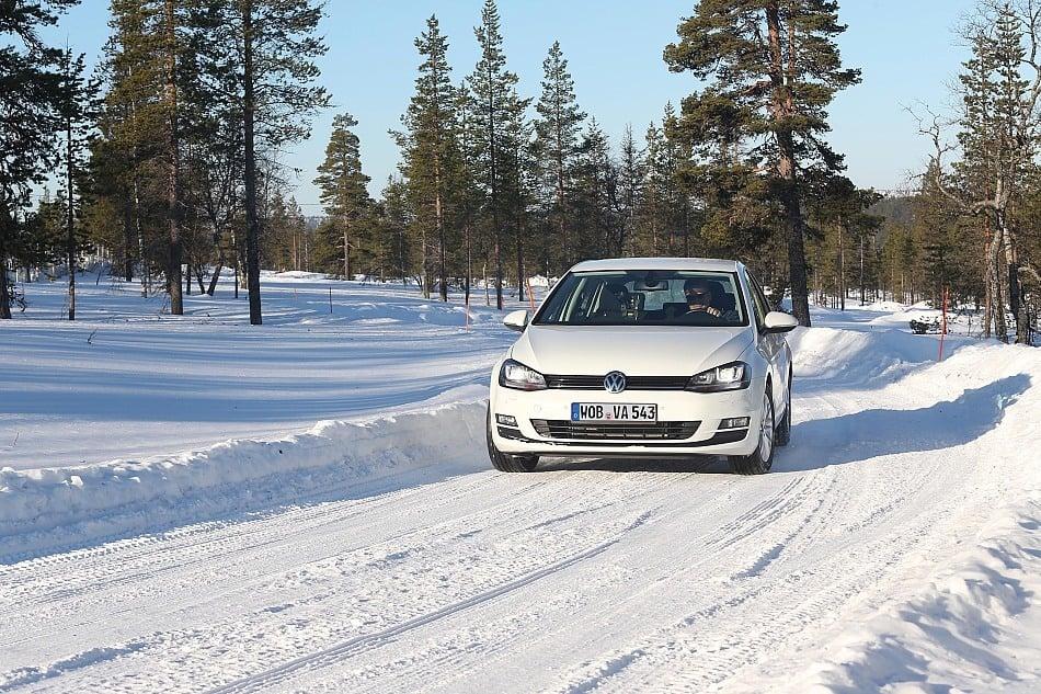 Winterliche Fahrsituation im Test