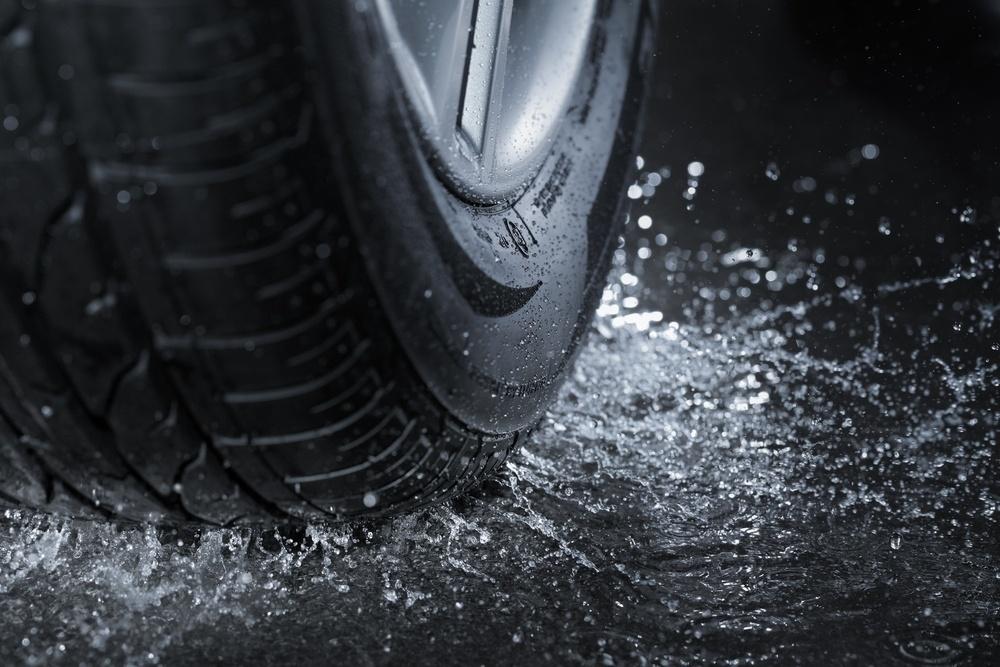 Im Sommerreifentest von Auto Motor und Sport wird die Reifengroeße 225/45 R17 geprüft.