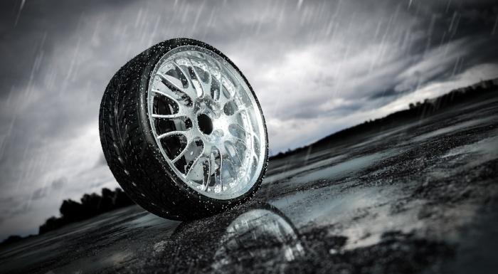 Im Sommerreifentest 2018 der Auto Bild sportscars: breite Sportreifen der Dimension 265/35 R19