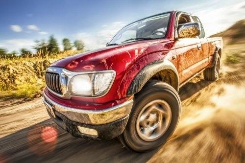 Im Ganzjahresreifentest der Auto Bild allrad wurden Allwetterreifen in der Reifengröße 235/60 R18 für Allradantrieb getestet