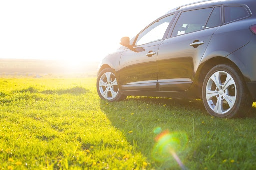 Denken Sie an den Reifen-Check vor der Urlaubsfahrt