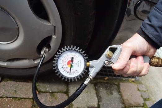 Wie Sie die Profiltiefe der Reifen prüfen | Reifen-vor-Ort.de