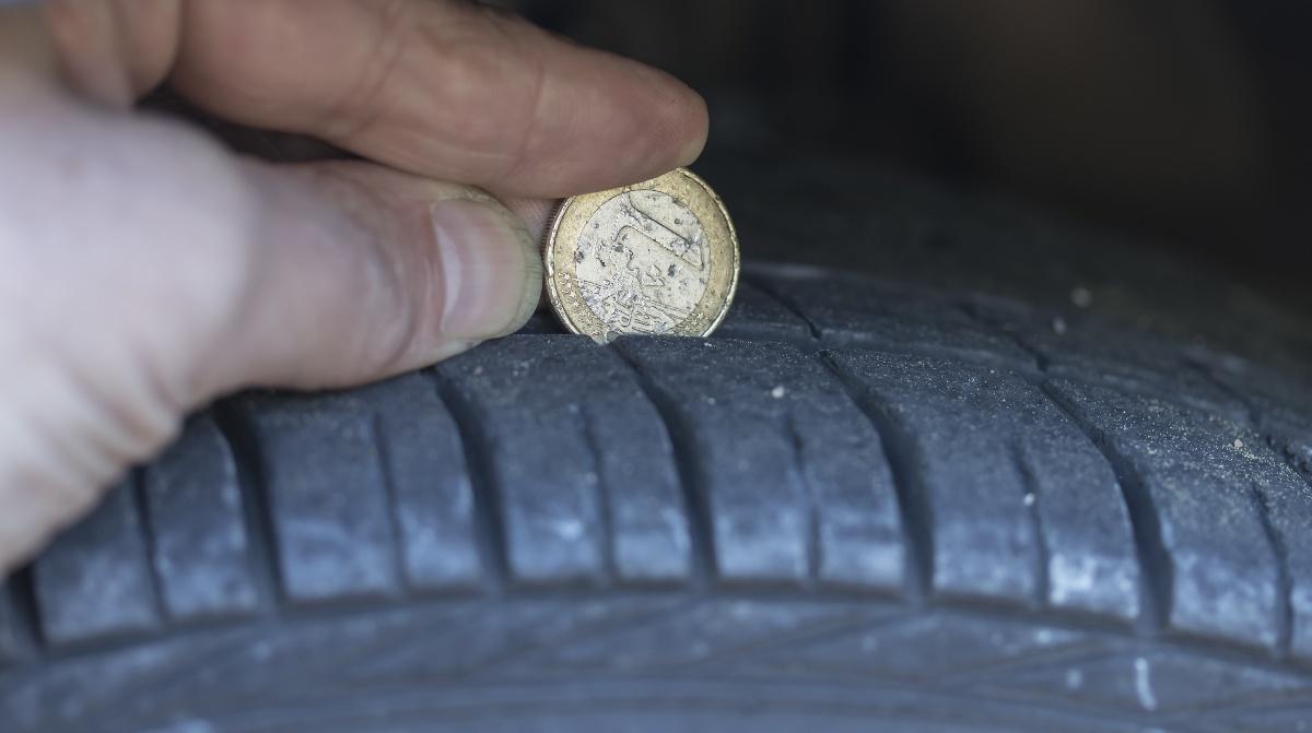 Die Profiltiefe des Autoreifens richtig messen | Reifen-vor-Ort.de