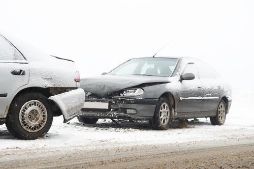 Winterreifenpflicht | Unfall im Winter mit Sommerreifen | reifen-vor-ort.de