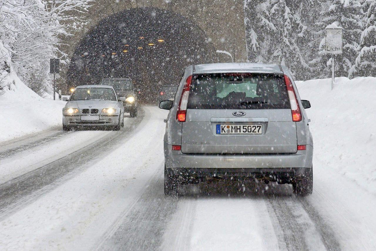 adac-winterreifentest-2019-reifen-vor-ort